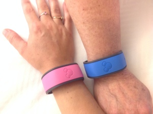 The new Magic Bands can be customized with your favourite colour and your Name!